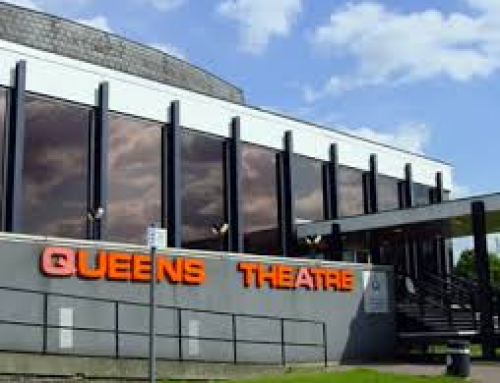 Queen's Theatre win London Theatre of the Year Award